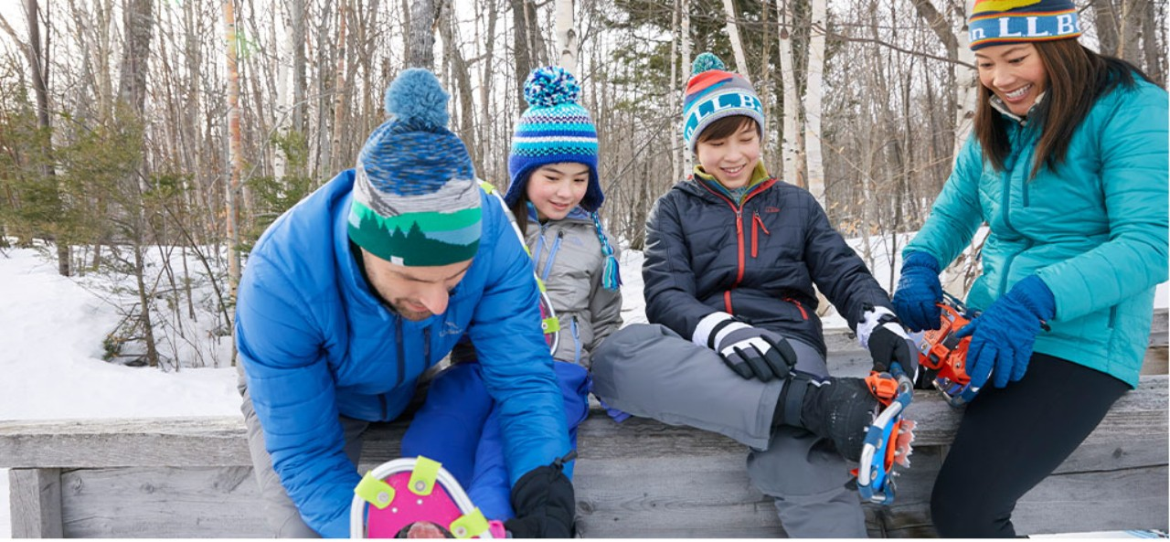 family getting ready to snowshoe