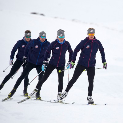Jessie Diggins skiing with her team