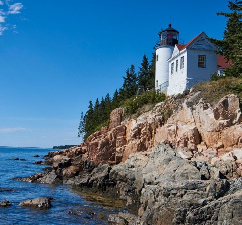 Image of lighthouse in Bar Harbor, Maine.